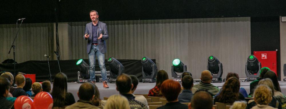 Dr Tomasz Rożek podczas ubiegłorocznego festiwalu nauki